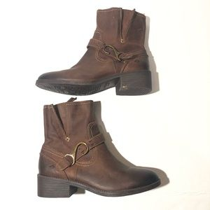 Sperry Brown Distressed Leather Ankle Boots